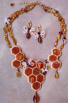 I like the earrings:-)) Медовый спас