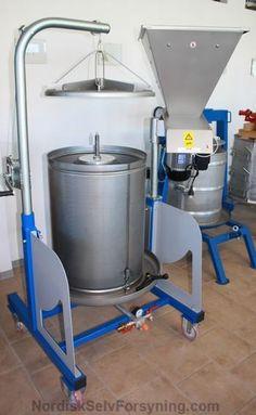 Æblepresser komplet mosteri. 160 liters presse med integreret kværn. Nordisk SelvForsyning Watering Can, Canning, Conservation