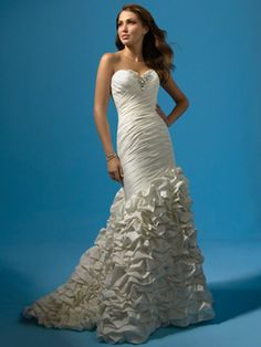 Affordable site to get your perfect gown. Alfred Angelo 2117 Diamond White Wedding dress Bridal Gown size 8