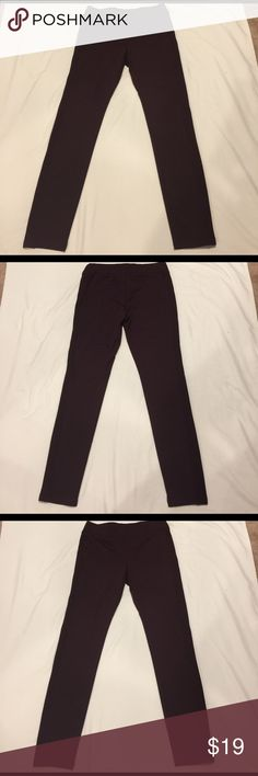 🌺🌸 ANTHROPOLOGIE 🌸🌺 Stunning ECI Leggings SZ M 🌺🌸 ANTHROPOLOGIE 🌸🌺 Stunning ECI Leggings SZ M these beautiful leggings have gorgeous decorative side to them.  They Maroon color goes so well with just about everything.  The wide makes these so comfortable to wear.  Material is awesome, stretchy and soft.  Anthro truly makes great clothing. Anthropologie Pants Leggings