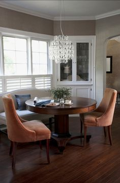 Solving for a small dining room #diningroom love this pedestal table