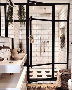 Badezimmer Inspiration // Andrea Groot Das perfekte Zuhause im skandinavischen S… Bathroom Inspiration // Andrea Groot The perfect home in the Scandinavian style – Bad Inspiration, Bathroom Inspiration, Home Decor Inspiration, Decor Ideas, Bathroom Inspo, Bathroom Designs, Diy Ideas, Bohemian Bathroom, Bath Ideas