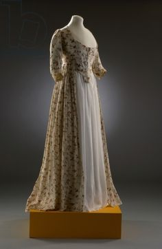 Printed cotton overdress with stomacher, late 1790s, English (Fashion Museum, Bath and North East Somerset Council)