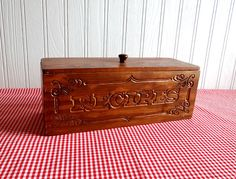 Vintage 70s Wood Recipe Box with Removable Lid by TimelessTreasuresbyM on Etsy