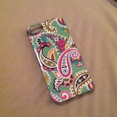 Vera Bradley iPhone 5s Case Vera Bradley iPhone 5s case. Previously loved. Some minor wear and tear (see photos), but overall in good condition.  Vera Bradley Accessories