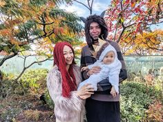 31 Family Costume Ideas So Good, Everyone Will Want to Dress Up This Halloween Mom And Baby Costumes, Easy Couples Costumes, Easy Costumes, Creative Costumes, Family Costumes, Costume Ideas, Homemade Halloween Costumes, Couple Halloween Costumes, Wild Things
