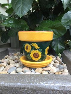 Sunflower Flower Pot with Saucer Sunflower Pottery Sunflower Painted Clay Pots, Painted Flower Pots, Ceramic Decor, Ceramic Planters, Decorated Flower Pots, Sunflower Pictures, Sunflower Kitchen, Clay Flower Pots, Jars