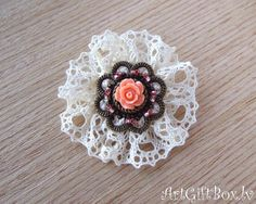 brooch  Pretty-coral / brooch  with lace / brooch vintage style / brooch with a small flower / small  brooch / round brooch/petite brooch