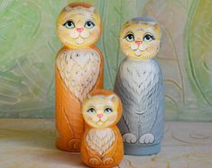 Cat Family // Peg Dolls // Wooden Dolls // Collectible Figurines Toys // Peg Doll Set // Hand Painted
