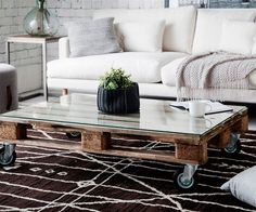 3 pallet furniture ideas you can easily make at home