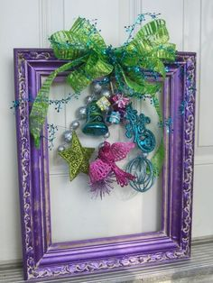 Christmas Picture Frames, Christmas Frames, Great Christmas Gifts, Christmas Pictures, Christmas Projects, Holiday Crafts, Christmas Wreaths, Purple Christmas Decorations, Christmas Ideas