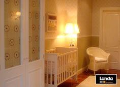 Cuarto con cuna, para el recién llegado - Macarena Barcia Cribs, Bed, Furniture, Home Decor, Crib, Quartos, Interiors, Cots, Decoration Home