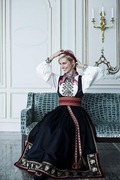 Anne Rimmen in her Telemark bunad Folk Costume, Costumes, Beautiful Norway, Scandinavian Design, Traditional Outfits, Aesthetic Clothes, Style Inspiration, Lady, Womens Fashion