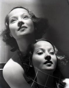 Merle Oberon, 1935. Photographer: George Hurrell.