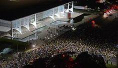 RS Notícias: Manifestantes protestam em frente ao Congresso