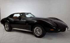 1977 corvette | Corvette Stingray 1977 Raridade — Santa Bárbara D'oeste 1977 Corvette, Corvette Stingray, Chevrolet Corvette, Chevy, Old Classic Cars, Camping Gifts, Corvettes, Hot Cars, Vintage Cars