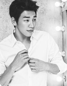 Kim Young Kwang who has seen his popularity spiral upwards since appearing in 'Pinocchio' and 'Plus Nine Boys,' recently inked an endorsement deal with LG VONIN to endorse their men's cosmetics line. Kim Young Kwang, Young Kim, Hong Jong Hyun, Hot Asian Men, Best Dramas, Good Doctor, Korean Star, Actor Model, New Face