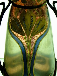 Just before deco, Nouveau ruled the waves. This pretty little vase is just like the ones sold by dealers 218 and SAD!