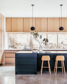 Modern Kitchen Design, Interior Design Kitchen, Kitchen Decor, Kitchen Ideas, Modern Kitchen Interiors, Eclectic Kitchen, Boho Kitchen, Interior Livingroom, Kitchen Small