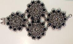 Bijoux / Jewelry Made by Andrea de Navarrete, Brazalete flor y azabaches