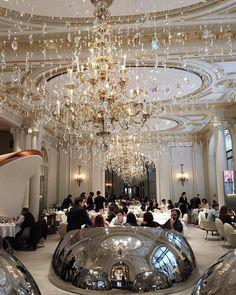 #Glass #Rain  Thanks @plaza_athenee for making here my parisian home  by albertoortizrey