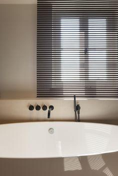 Woning VV   AP/ART Architecten Inspiration Wall, Bathroom Inspiration, Future House, Home Curtains, Ap Art, Bathroom Inspo, Kitchen Remodel, Blinds, Interior Design