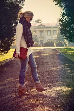 Thick scarf & wedge booties