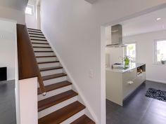 Küche Hellgrün fertighaus wohnidee küche grauweiß kochinsel fensterband