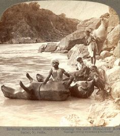 Inflating cow skins to use as boats (Indian Himalayas, : pics Lewis Carroll, Antique Photos, Vintage Photos, Old Pictures, Old Photos, Creepy Photos, History Of India, History Photos, Vintage India