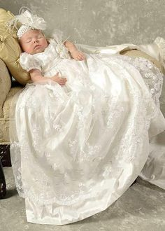 Princess Lace Appliques Baby Christening Dresses Kids Baptism Gowns Short Sleeves Vintage Flower Girls Boy Christening Gowns
