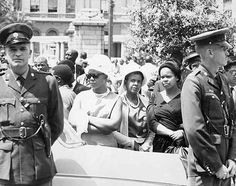 Photographs of black life and culture under Apartheid, taken by legendary South African photographer Alf Kumalo who passed away on October Pushpa Padayichie Political Culture, Apartheid, Black Couples, Two Girls, Historical Pictures, African History, Us Images, Vintage Black, South Africa