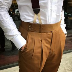 Brown double-pleated trousers. #men #menstyle #menswear #mensfashion #napoli #sprezzatuza #mensclothing #bespoke #dandy #gentleman #mensaccessories #mensstyle #tailor #milano #fashion #menwithclass #italy #style #styleformen #wiwt #suit #dapper #menwithstyle #ootd #daily #moda #stile #elegance #classy #mnswr
