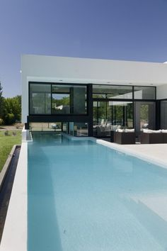 grand-bell-house-by-andres-remy-arquitectos