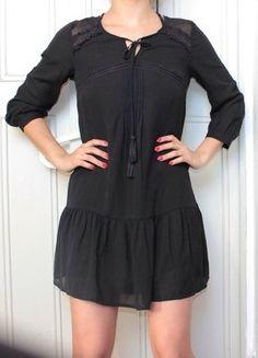 85ff5008da5a Robe noire avec détails en dentelle et tissus transparents. Marque Pimkie