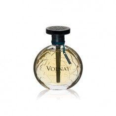"""Un parfum cald si luminos, o reinterpretare a """"Rose Brumaire"""" creat de Rene Duval in 1922. Un parfum cu note stralucitoare care asociaza aromele de lemn de oud si vetiver, o combinatie care inspira in acelasi timp feminitate si masculinitate. Notele de teak si papirus transforma Brume D'Hiver intr-un parfum proaspat, exotic si senzual."""