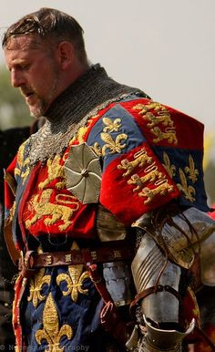 A west coast Canadian that enjoys doing Century medieval reenactment with the Society for Creative Anachronism, Pacific Association for Recreating the Middle Ages, and Adrian Empire. Medieval Knight, Medieval Armor, Medieval Fantasy, Armadura Medieval, Renaissance, Caballero Andante, English Knights, Edward Iv, Costume Armour