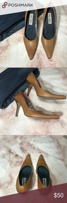 💋 Steve Madden Tan Leather Heels 💋 Steve Madden Tan Leather Heels   6 B  Heels - About 3 1/2 inches   These are cute cute, stylish, & versatile clean heels.   # 325 Steve Madden Shoes Heels