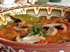Tocanita de Legume Romanian Food, Vegetable Recipes, Thai Red Curry, Beef, Vegan, Vegetables, Cooking, Ethnic Recipes, Meat