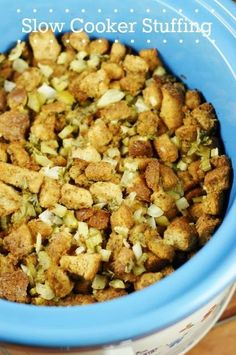 Slow Cooker Stuffing {or Dressing} . wait, stuffing in the slow cooker? You bet! Crock Pot Food, Crockpot Dishes, Crock Pot Slow Cooker, Slow Cooker Recipes, Crockpot Recipes, Cooking Recipes, Cooking Ideas, Bread Recipes, Food Ideas