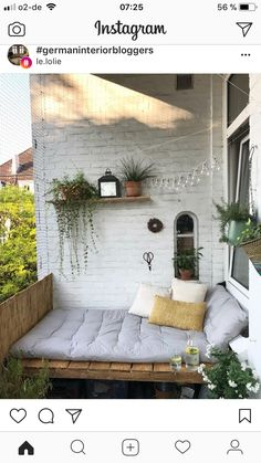 Unsere DIY-Bank ist nun endlich fertig und wir genießen das großartige W… Juhu! Our DIY bank is finally finished and we enjoy the great weather from now on in our summer living room. Apartment Balcony Decorating, Apartment Balconies, Apartment Patio Gardens, Apartment Porch, Apartment Plants, Apartment Interior, Apartment Design, Outdoor Spaces, Outdoor Living
