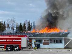 Urheilukentän huoltorakennus ja katsomo tuhoutuivat pahoin tulipalossa Alavuden Asemalla Finland, Train, Vehicles, Car, Strollers, Vehicle, Tools