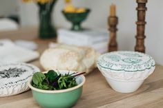 how to store food the eco way, zero waste, eco living, bowl covers and beeswax wraps via www.thishouseourhome.com