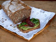 10 tips til kolesterolsenkende mat du kan nyte – Berit Nordstrand Meatloaf, Scones, Avocado Toast, Banana Bread, Sandwiches, Recipies, Food Porn, Brunch, Vegetarian