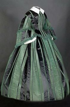 Green and black silk satin day dress via Smith College Historic Clothing Collection, Northampton, Massachusetts. Victorian Gown, Victorian Fashion, Vintage Fashion, Antique Clothing, Historical Clothing, Historical Dress, Vintage Gowns, Vintage Outfits, 1850s Fashion
