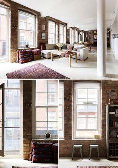 Mur en briques rouge et mobilier vintage