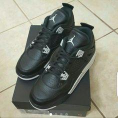 buy online 40fbc 7e949 DS Jordan Oreo 4s Black grey Jordan 4s. Brand new, never tried on
