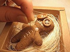 DIY poupée vaudou pique épingles - par Le blog de tutolibre