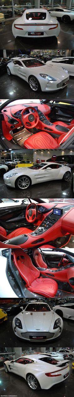 Aston Martin One-77 Lastima los colores (Blanco fuera, rojo interior) Si fuera todo negro, o plata por fuera sería perfecto.