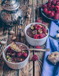 Vegan porridge freddo con lamponi e pistacchi (senza cottura) // Vegan overnight porridge with raspberries and pistachios