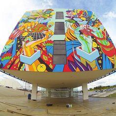 Holy Moly, this is good. Regram @festivalbananada // #streetart #mural #graffiti #dossblockos #palelager #east9thbrewing